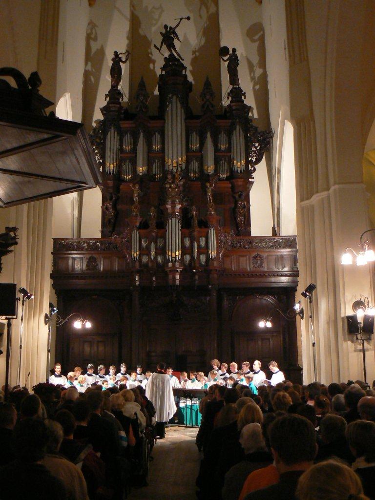 Der Aa-kerk Roder Jongenskoor voor het Schnitgerorgel
