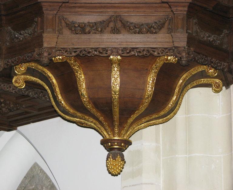 Transeptorgel Lampet onder het orgelbalkon
