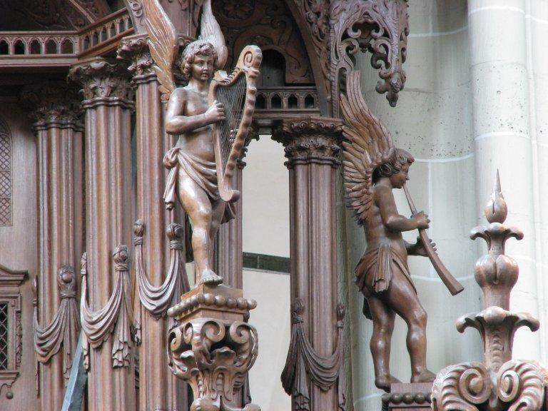 Harp- en zinkspelende engelen