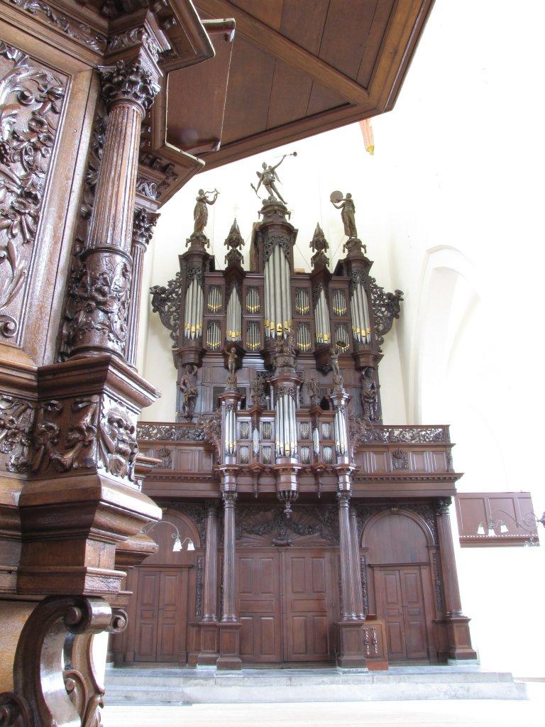 Der Aa-kerk Groningen Preekstoel en Schnitgerorgel