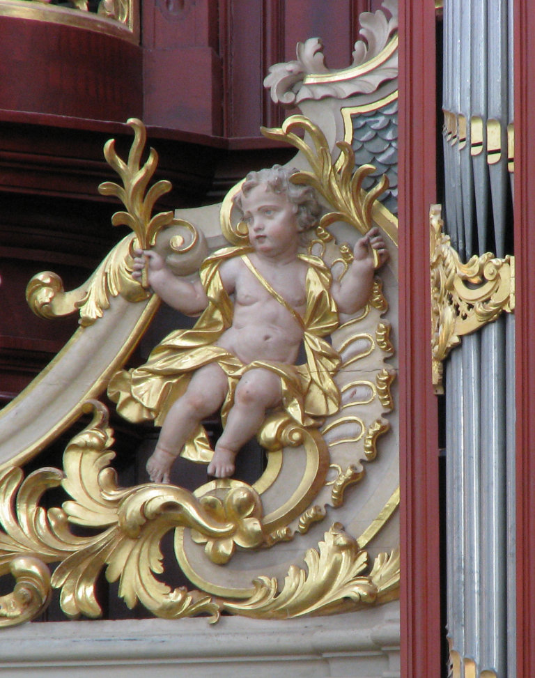 Putto op balustrade