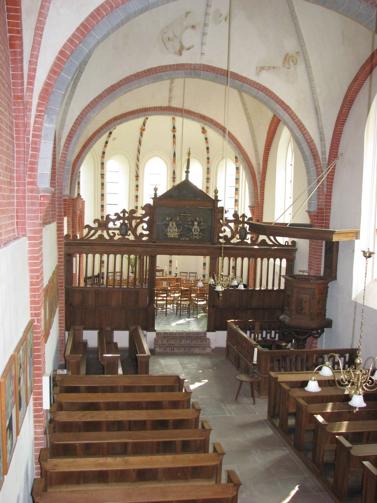 Kerkinterieur vanaf de orgelgalerij