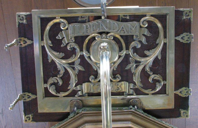 Preekstoel, koperen lezenaar 1783