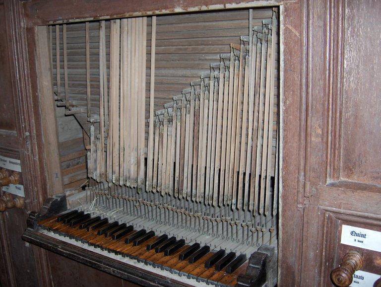 Dorpskerk Krewerd Orgel 1531 Speeltafel met abstracten