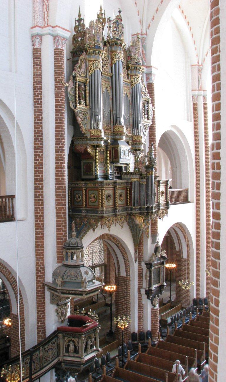 Orgel en preekstoel