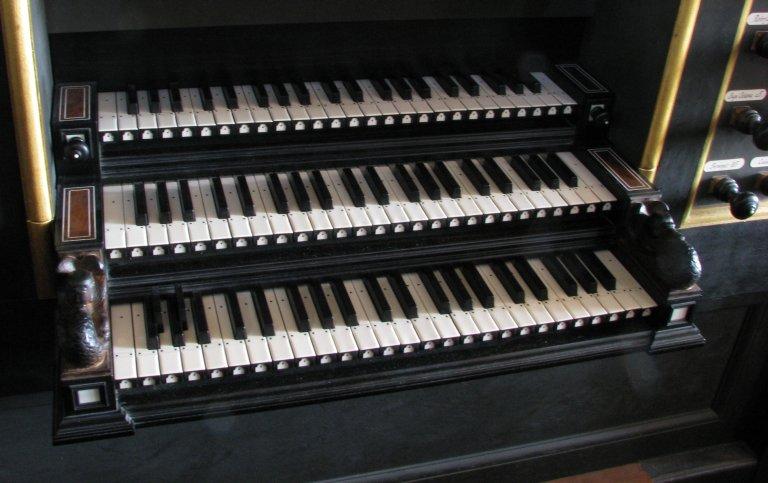 Klavieren, bas met gebroken en kort oktaaf