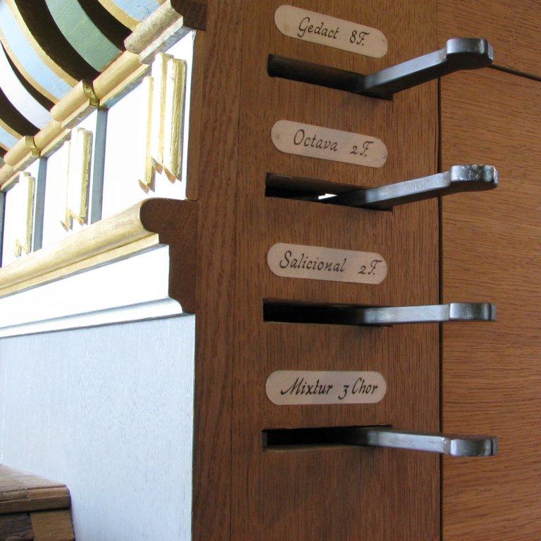 Rugpositief registers rechts