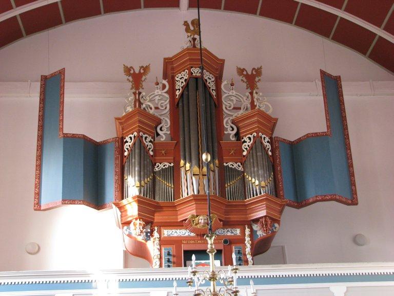 Orgel te Uttum