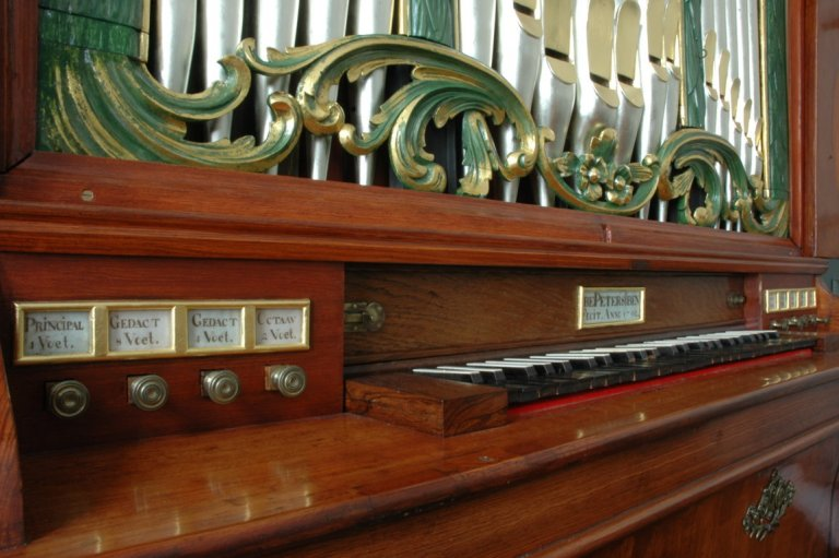 Orgel Ibe Peters Iben 1790, Speeltafel met registers