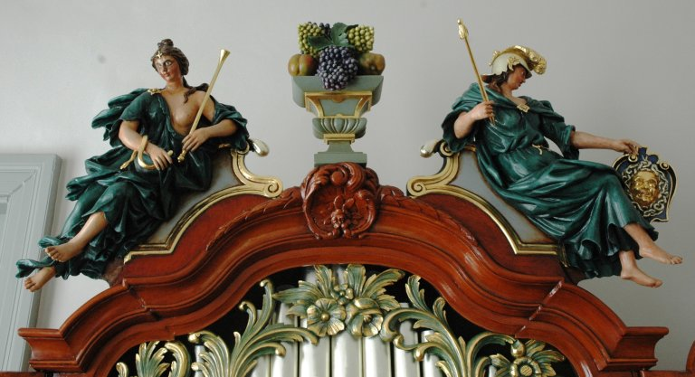 Orgel Ibe Peters Iben 1790, Bekroning