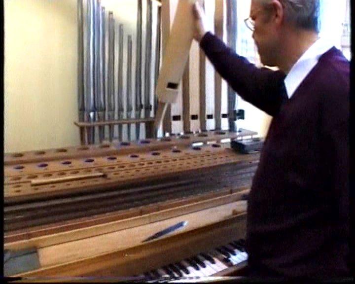 Het intoneren van de gestopte houten orgelpijp door Olav Oussoren